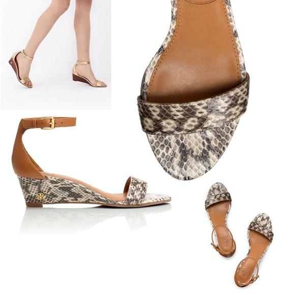 e64ae4db7 TORY BURCH Savannah Snakeskin Wedge Sandal Sz 7. M 5a5d6fed3b1608e330bc57d5